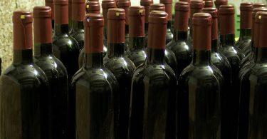 Cave à vin de service ou de vieillissement